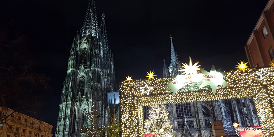 It S That Time Of The Year Gluhwein Weihnachtsmarkt Koln